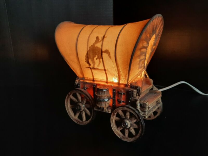 Western Covered Wagon Table Lamp Light Stagecoach Cowboy Riding Bronco Horse