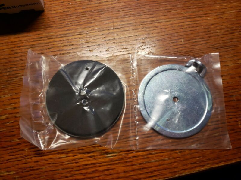 """WEATHERPROOF 2"""" KO KNOCKOUT HOLE SEAL NEW IN PACKAGING LOT OF 2"""