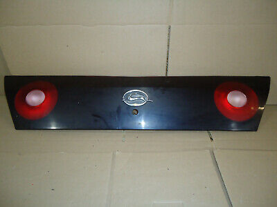 00 01 02 03 04 05 CHEVY IMPALA REAR CENTER TAIL LIGHT PANEL 03 04 Chevy Impala Tail