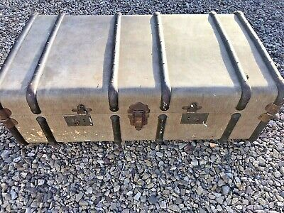 Antique Vintage Steamer Travel Trunk  Coffee Table/Chest/Storage/Shop Display