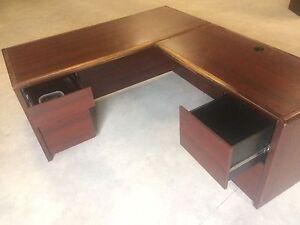 L shaped desk Kingston Kingston Area image 3