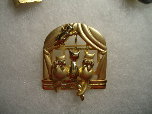 AJC vintage/nos gold tone Cat in Window pin