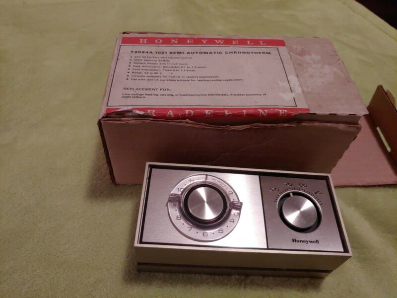 Honeywell T8084A 1021 Semi Automatic Chronotherm Thermostat With Box
