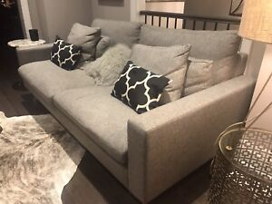 Gorgeous Couch For Sale!!