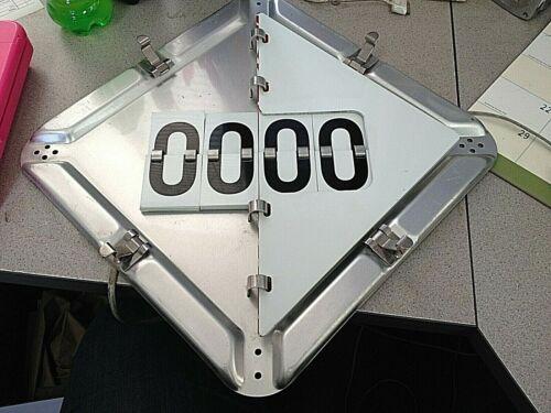 LABELMASTER Aluminum Full Frame Flip Placard Holder