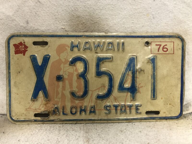 Vintage 1976 Hawaii License Plate