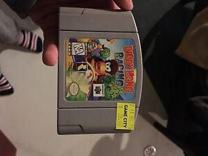 Nintendo 64 perfect shape 2 games 2 controllers