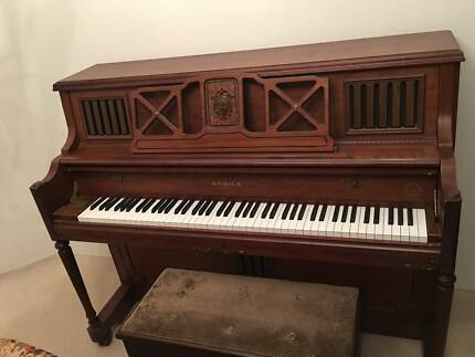 Wooden Samick German Scale Upright Piano