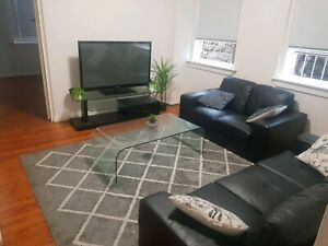 2 Bedroom unit for rent BACKPACKERS look!!