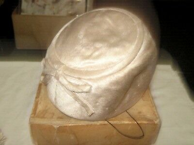 1950s Hats: Pillbox, Fascinator, Wedding, Sun Hats A Retro 50/60's Judith White Exclusive Hat Miller Ladies Pink Lambs Wool Fur Hat $29.55 AT vintagedancer.com