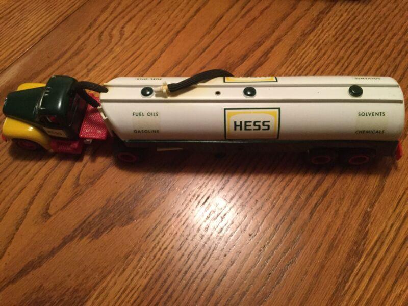 """1964 Marx Hess Toy Tanker Truck in """" mint """" Original Box"""