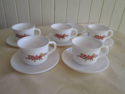 VINTAGE ARCOPAL FRANCE 4 x PLATES & CUPS | Dinnerware | Gumtree ...