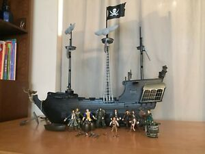 Pirates of the Caribbean ship