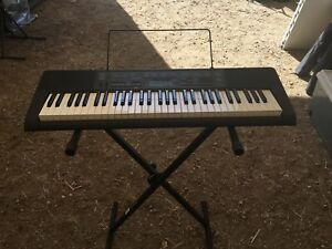 Casio Keyboard w/stand
