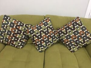 Sofa 3 Seater with nice pillows