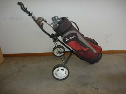 GOLF CLUB SET WITH BUGGY