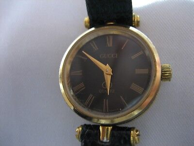 AUTHENTIC VINTAGE GUCCI 2000L BLACK/GOLD STACKED LADIES WRIST WATCH