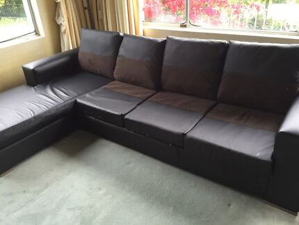 Black leather lounge Bellevue Hill Eastern Suburbs Preview