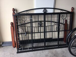 Queen bed frame Epping Whittlesea Area Preview