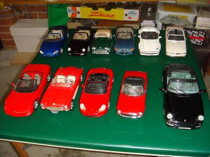 MODEL CAR DIECAST SCALE 1.18 COLLECTION 11 MODEL SALE AS IS