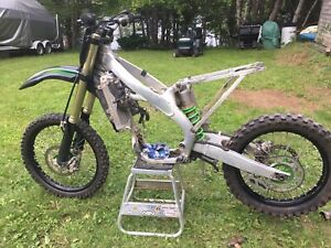 2009 KX250F frame with papers