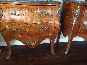 Louis XV style kingwood commode. Mid 20th century