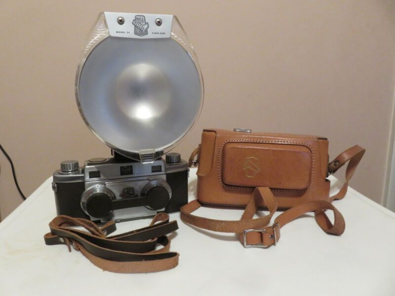 REVERE STEREO CAMERA WITH ST24 STEREO FLASH GUN ORIGINAL LEATHER CASE
