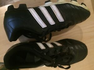 Soccer cleats size 3 youth