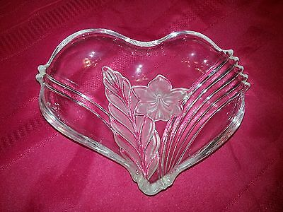 Frosted Glass HEART FLORAL TRAY Serving Dish Trinket Jewelry Candy Nut 8.5 x 7""