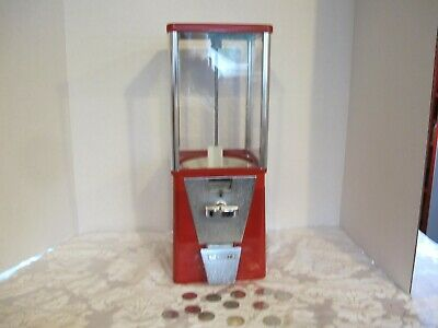 Vintage Oak GumBall/Candy/Peanut Machine  USES TOKENS