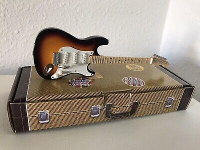Guitarra electrica FENDER BUDDY HOLLY