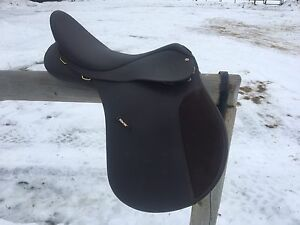 "Price Reduced! 18"" all purpose English saddle"