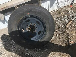 one like new tire lt245/75/17