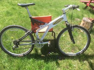 Specialized ground control mountain bike for sale.