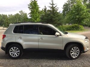 2010 VW TIGUAN 4WD SAFETIED AND ETESTED WELL MAINTAINED
