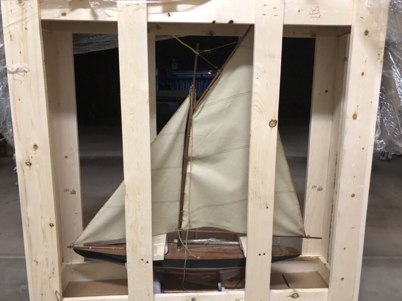 Model Wooden Pond Boat Pond Yacht Schooner Ship Sailboat.. New . In Crate..