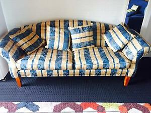 Couch (sofa) North Melbourne Melbourne City Preview