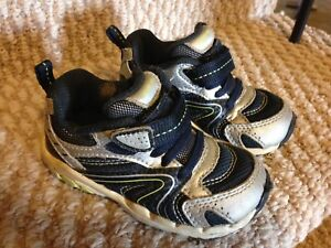 Size 5.5w Stride Rite shoes
