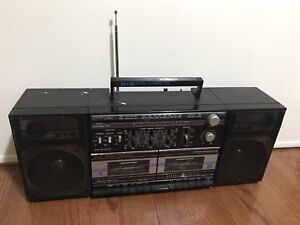 General Electric high speed dubbing detachable speaker system