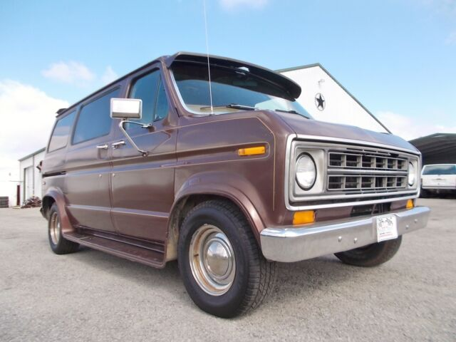 Image 1 of Ford: E-Series Van Brown