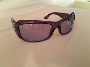 Versace Origina women sunglasses in excellent condition, purple