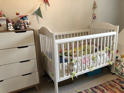 Wanted: White cot - solid wood