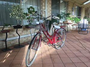 Red Cyclops Woman's Vintage Bicycle Darch Wanneroo Area Preview