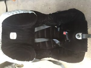 2 x Britax car seats in good condition