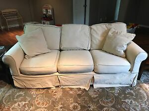 Rowe Furniture Slipcover Couch