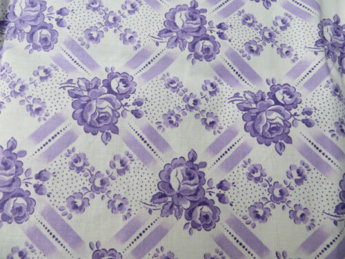 "Never used  Set Of Two (2)  Romantic Pillowcases   Lavender  Roses  29 ""by29 """