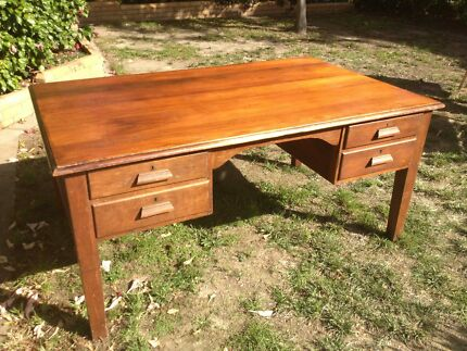 VICTORIAN EXECUTIVE DESK  Large / Solid Wood