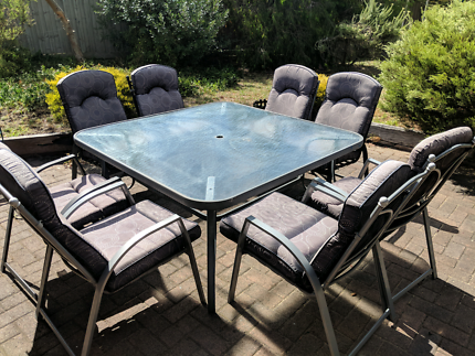 8 seater outdoor dining setting