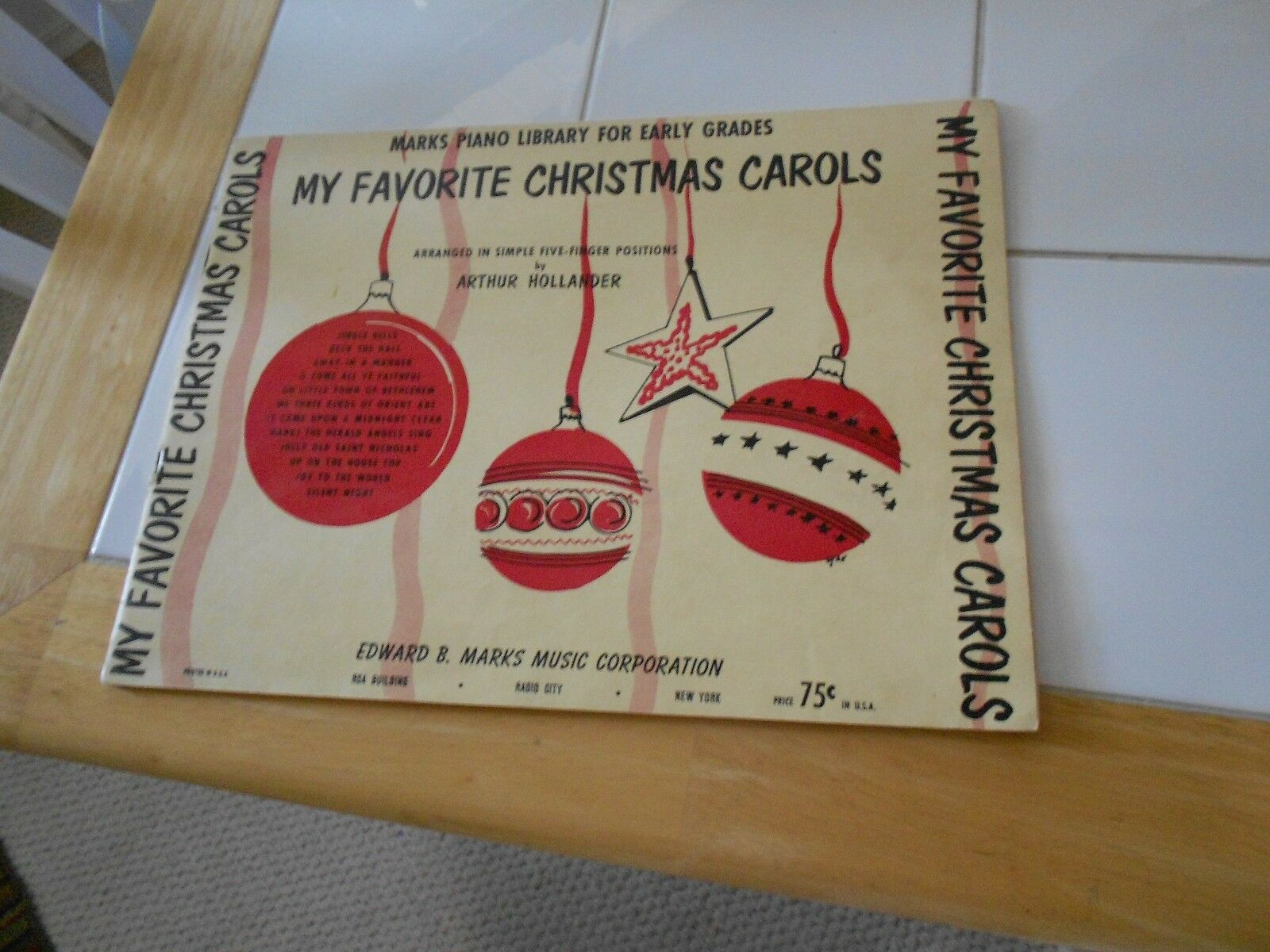 MY FAVORITE CHRISTMAS CAROLS SONG BOOK EDWARD B. MARKS-1952 - $3.49