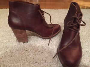 BRAND NEW UGG booties women's size 7